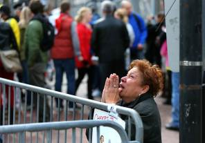 ss-130415-boston-bombing-pray_ss_full